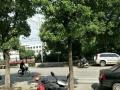 汊河镇 华扬西路小学中学对面 商业街卖场 30平米
