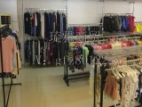 广东中山 琉雅商贸 服装优质低价货源批发微商看过来