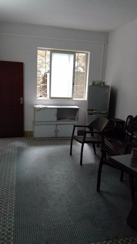 蓬江东湖公园附近 业主 2室 1厅 70平米 整租押二付一