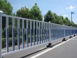 河北厂家现货城市道路中心隔离栏市政交通护栏可定制