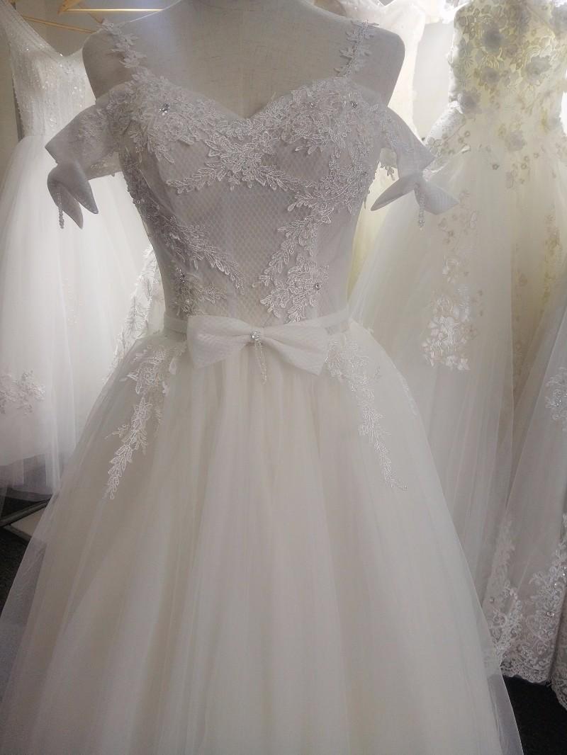 成都青羊区婚纱出租,租一件婚纱多少钱