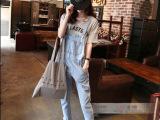 新款韩国欧美显瘦浅色宽松九分牛仔背带裤女