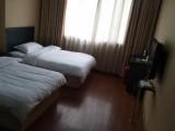 酒店公寓拎包入住69全天交通便利市中心位置