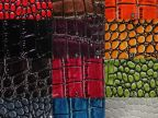 现货无纺基底压纹高光鳄鱼纹人造皮革