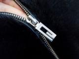 貂皮衣服拉链坏扣子坏断掉貂皮修理拉链换扣子