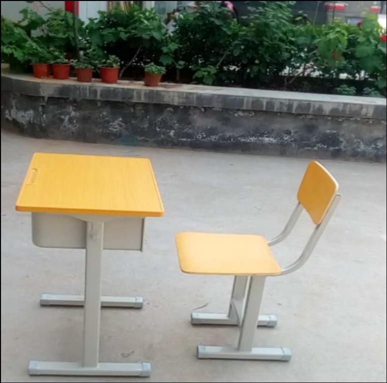 固定课桌椅.png