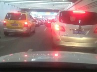 上海浦东机场停车场补胎,换轮胎