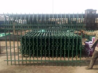 乌鲁木齐铁艺护栏 锌钢护栏 草坪护栏