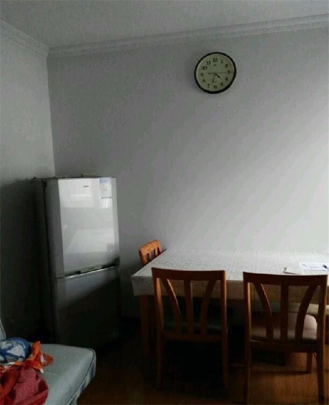 康泰花苑 3室 2厅 107平米66万 出售