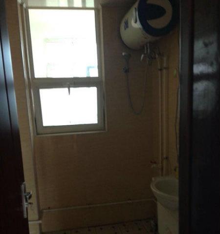 铭基凤凰城单元楼合租,主卧带独立卫生间,电梯房,能洗澡做饭。