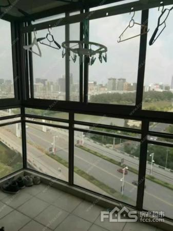 元一柏庄 新万达旁边,繁华地带,有阳台,随时入住