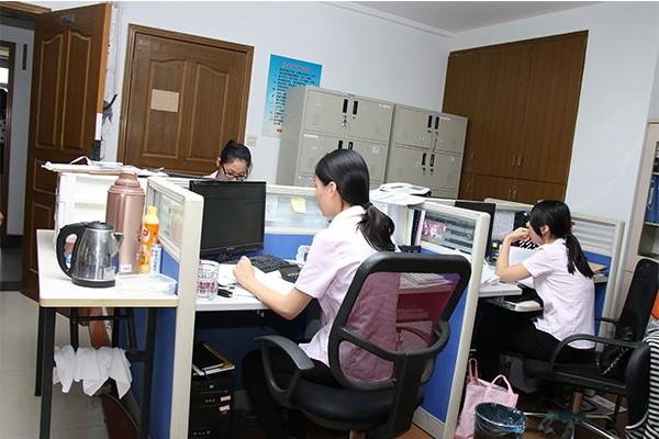 代理记账就找较专业负责的团队--新月会计事务所