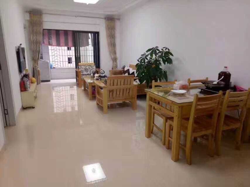 万达中央华城 2300元 2室1厅1卫 精装修,全家私电