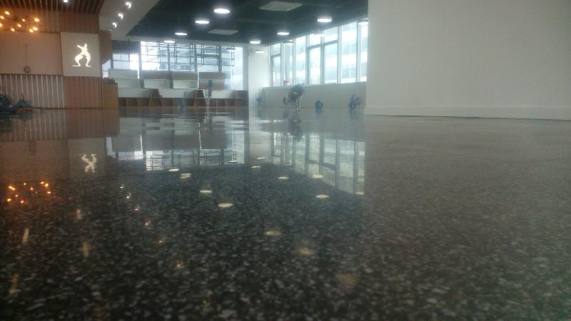 南山厂房水磨石地板翻新 地面起砂尘处理