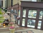 小区门口头一个商铺,上下两层156平,位置好很显眼