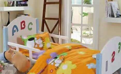滑梯淘气城堡蹦床课桌椅床铺幼儿园全部配套设施