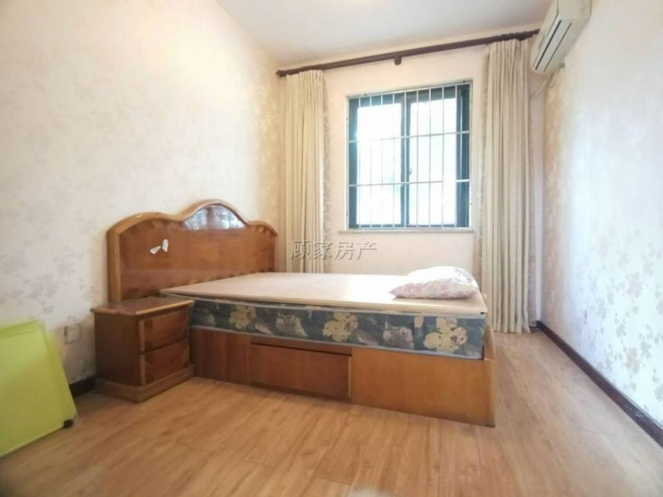 1楼带花园的房子来啦 产权131 房东诚心出售