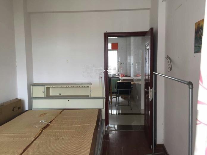 广西国有高峰林场厢竹小区 3室2厅1卫