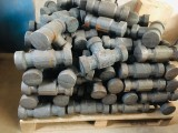 厂家大量处理锻造由壬三通毛坯,由壬三通可定制