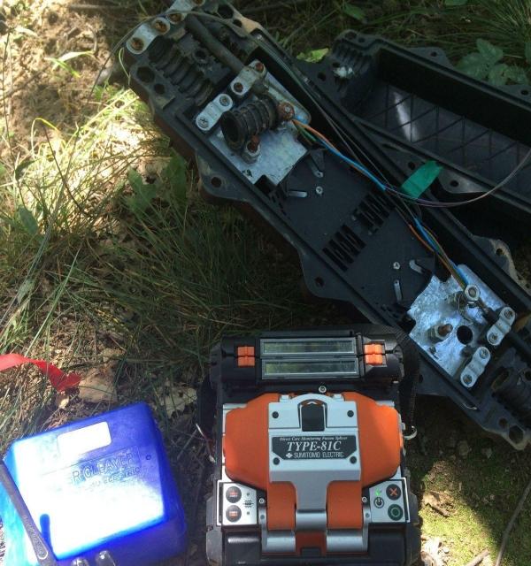专业光纤熔接 光纤抢修 光纤维护 洛阳OTDR测试