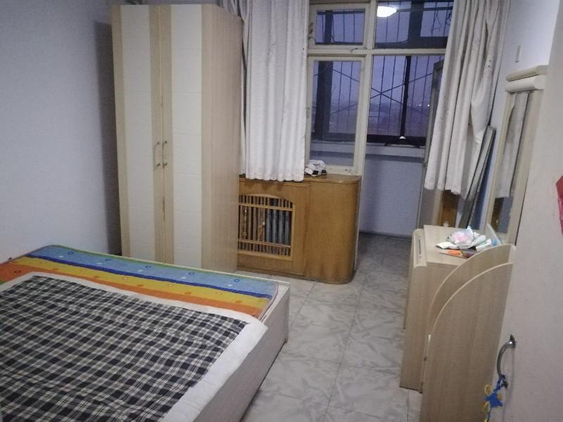 南长街 交警一大队家属院 3室 2厅 104平米 整租交警一大队家属院