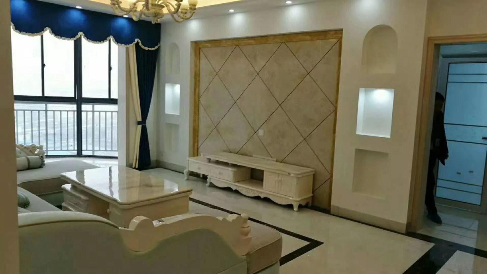 文化路 精装三房两厅 黄 金二楼 首付买房的可以考虑下
