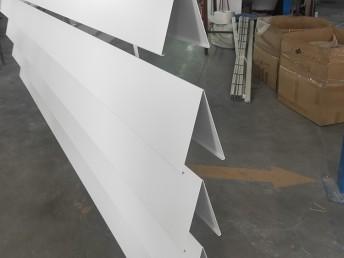 定制V型挂片吊顶 V型铝格栅吊顶