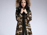 2013新款冬装迷彩羽绒服女中长款加厚大毛领羽绒衣外套欧洲站正品