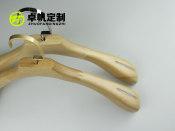 教你挑选优质的木衣架-重庆市落地木衣架
