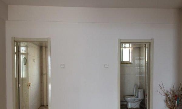 天华苑十二楼 3室2卫1厅