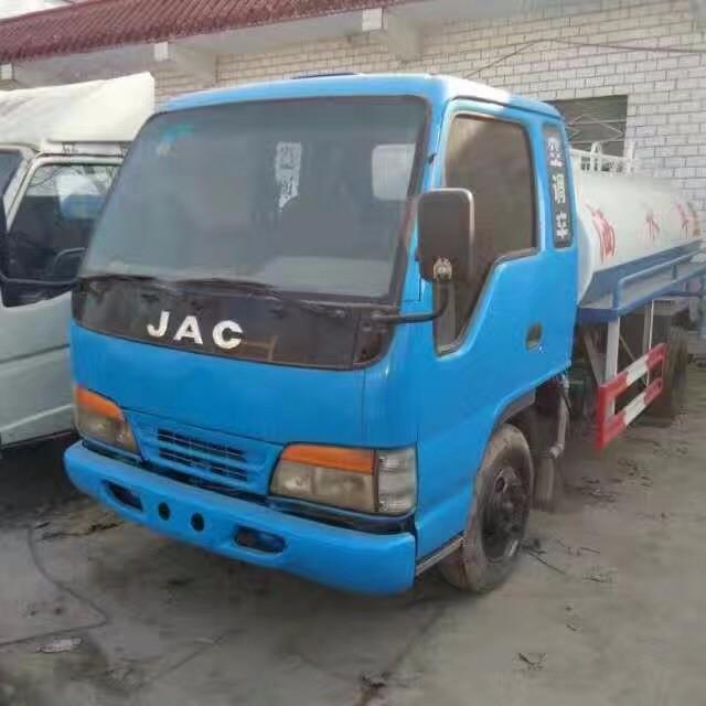 武汉有卖二手洒水车 二手绿化喷洒车的吗