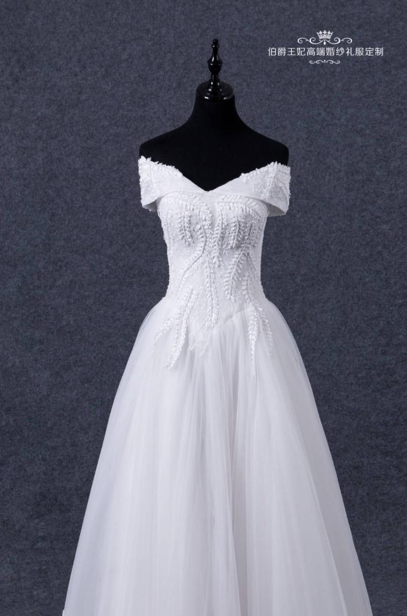 沙河市伯爵王妃婚纱礼服定制