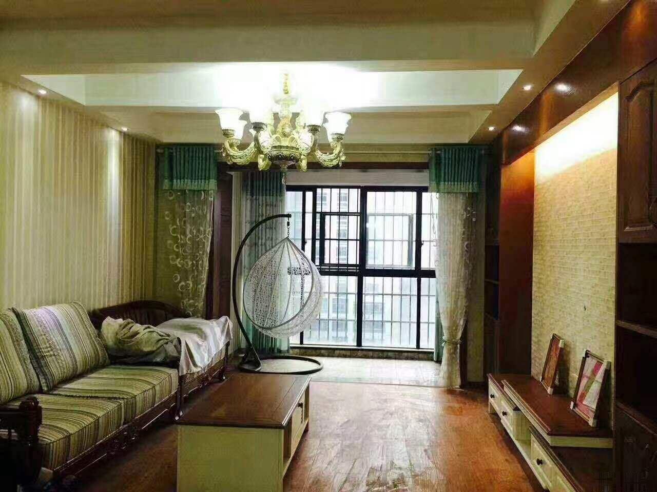 一桥沿江风光带 西海龙苑 豪装大四房 送全房家具家电