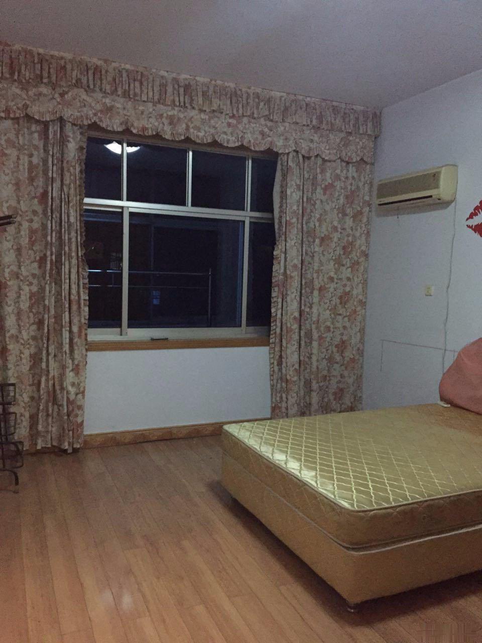 平桥中心大道三楼 2室2厅1卫 100平米(大产权)有房