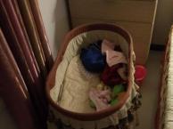 摇篮式婴儿床