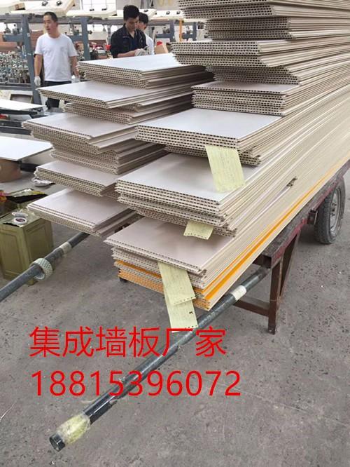 建军集成墙板采用竹木纤维铸造整体墙饰系统装修