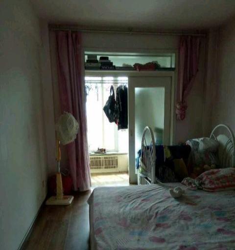 景墨家园 2室2厅 框架结构101平米 中等装修 年付