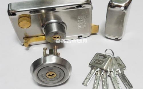 下沙九堡24小时开锁,修锁,换锁芯,20分钟上门