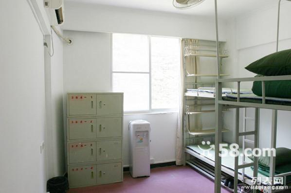 床位10-20 豪华单间30-60元 人才市场旁大学生公寓