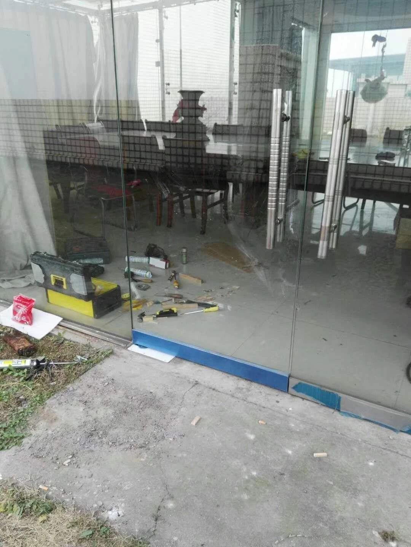 玻璃门按装维修中心