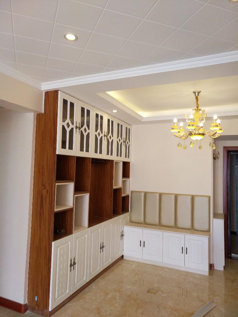 装修一条龙代卖瓷砖 木门 厨柜 洁具各类装修材料