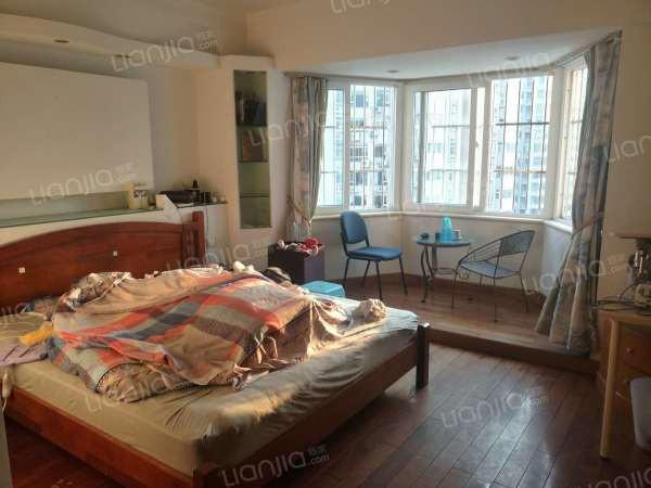 吉大海湾花园 3室出租 成熟小区 生活方便 保养非常不错