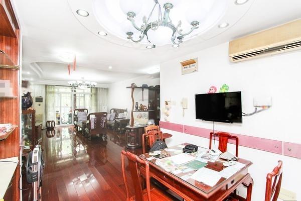 春晖苑豪华装修4房,面积大,总价低,楼层好,近地铁,随时看房