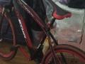 库存大处理处理二手自行车。修理车。