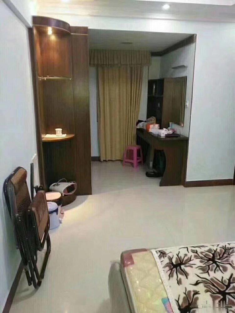 明珠新靓房 过户费用低 118方,3房2厅 装修靓爆镜