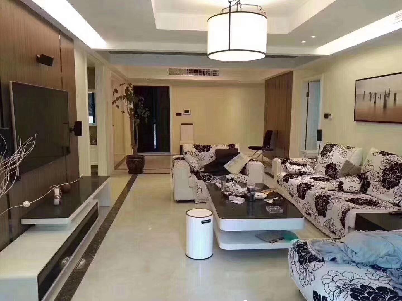 出售中驰湖滨花园豪华装修155平方240万拎包入住七小校