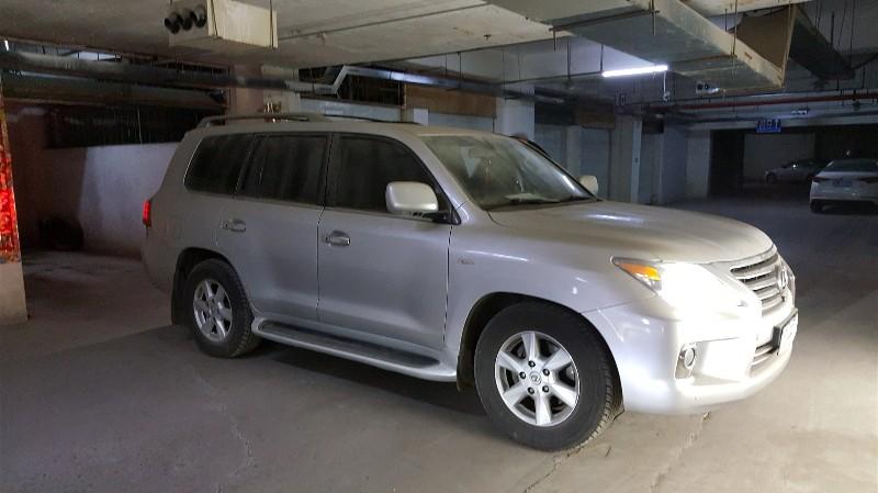 抵押到期雷克萨斯lx570,2011款车