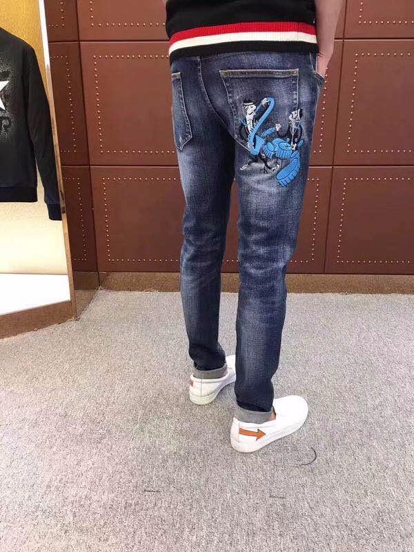 一手潮牌高端男装,国际大牌奢侈品批发基地,广州工厂一件代发