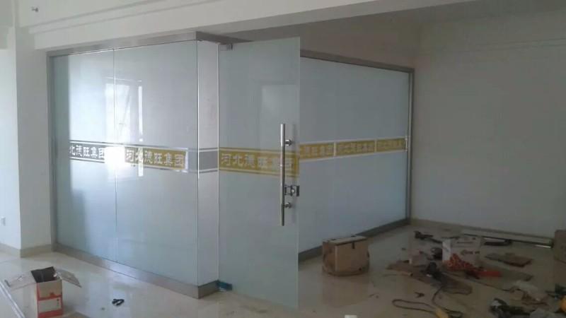 石家庄专业安装维修百叶办公玻璃隔断自动门隔断自动门自动门