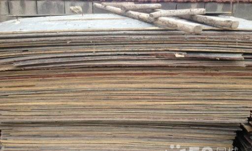 常年回收建筑工地废旧方木